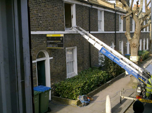 Expert in managing difficult access and challenging removals